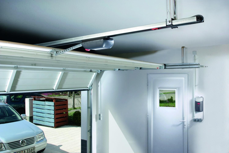 Automatismes pour portes de garage : ce qu'il faut savoir