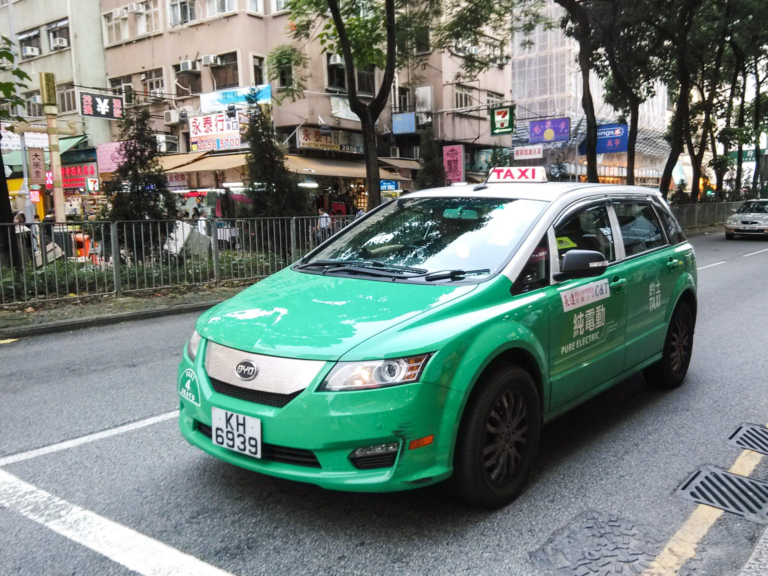 Taxi contre les VTC à Marseille : la guerre est déclarée