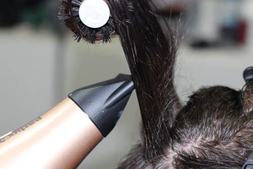 Reconversion professionnelle : et si vous deveniez coiffeur ?